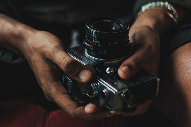 camera-close-up-equipment-2121536
